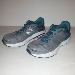New Balance 560 v7 Womens Gray Running Shoes Sz 10